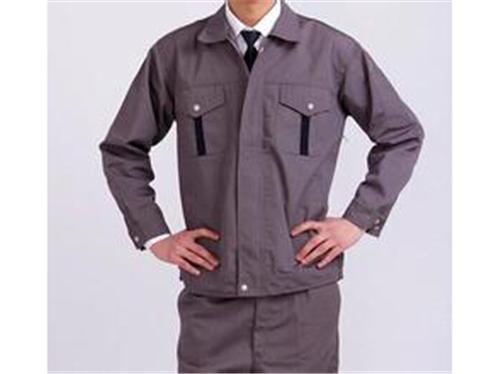 来苏州职业装男装套装定做现代男性的完美服装